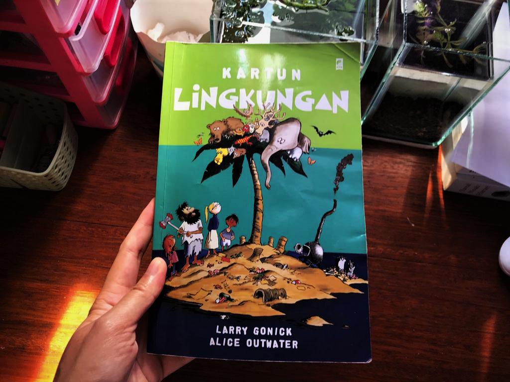 Buku kartun lingkungan cover