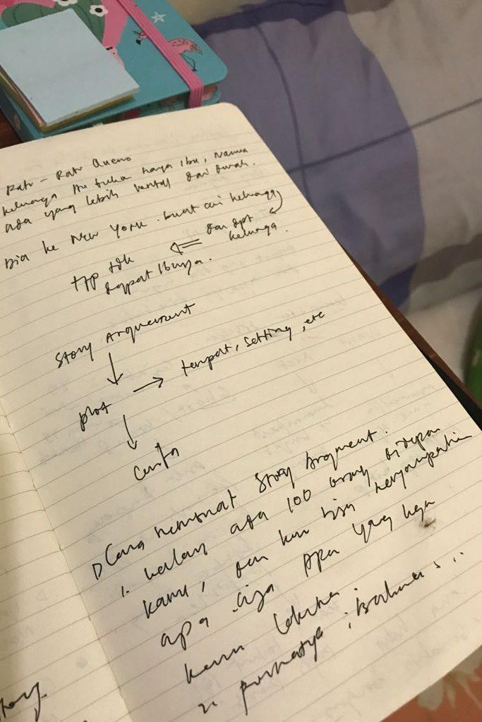 kelas menulis Raditya Dika